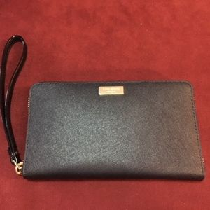 Kate Spade Wristlet w Phone Compartment